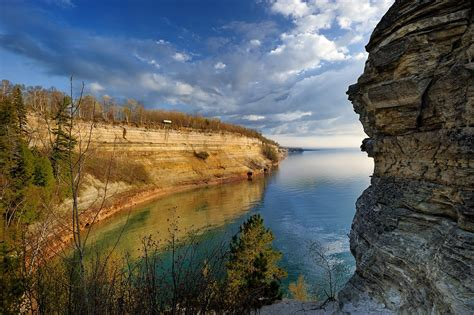"""""""Miners Castle"""" Pictured Rocks National Lakeshore - Munisi"""