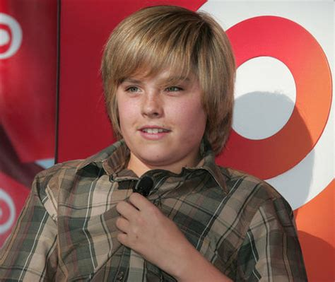 Poze Dylan Sprouse - Actor - Poza 15 din 32 - CineMagia